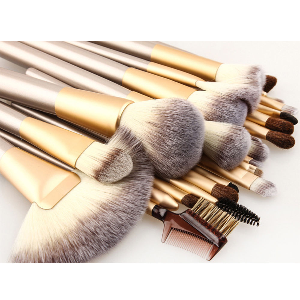 24 PIECE CHAMPAGNE GOLD MAKEUP BRUSH SET