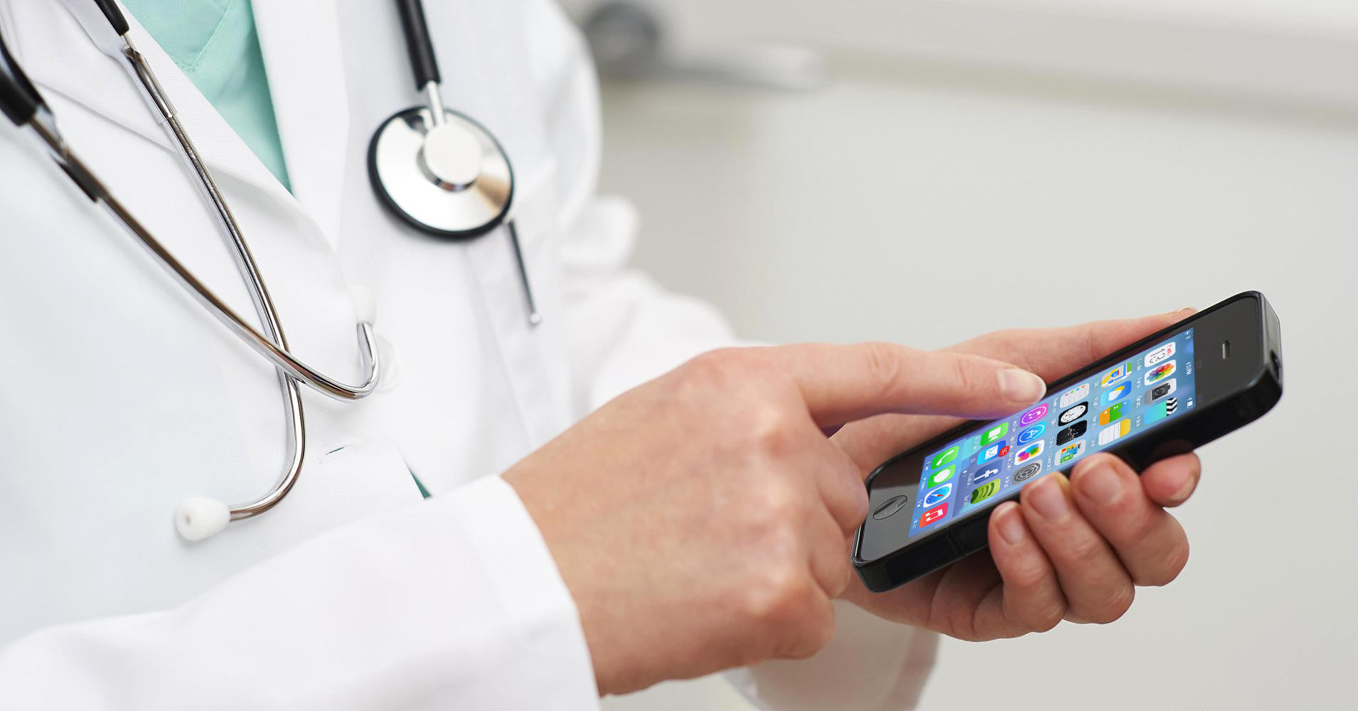 Five must-have apps for successful doctors