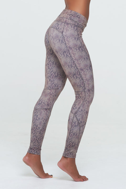 D2W Spinning leggings in Snake Print, Poly Spandex