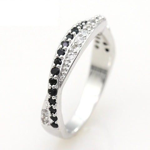 Crossover Black Crystal Ring