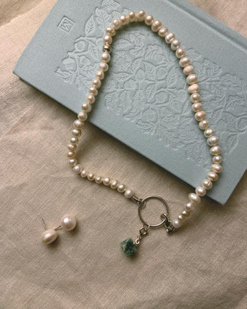 Pearl- Malachite necklace
