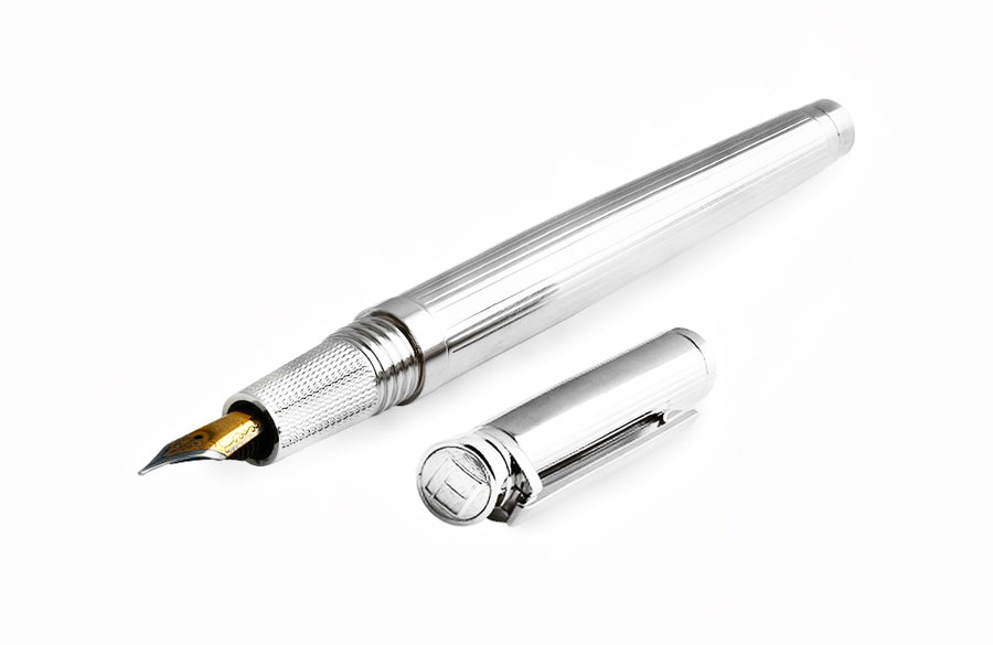 LACCA CLASSIC FOUNTAIN PEN IN PLAIN LACQUER
