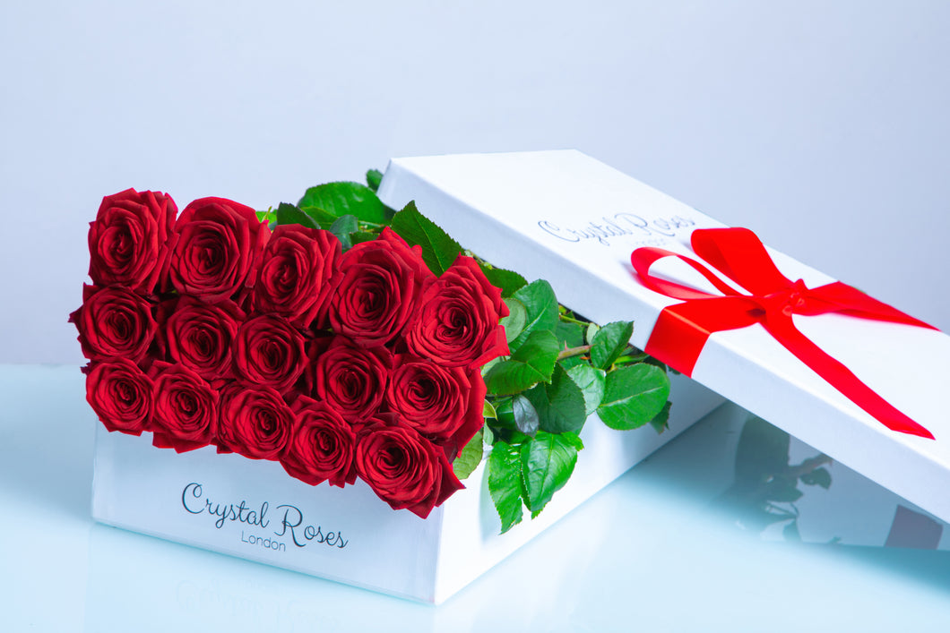 15 Fresh Cut Red Roses, 15 Red Gift Box Rose, Gift Box Roses, 15 Red Long Stem Roses - Crystal Roses London