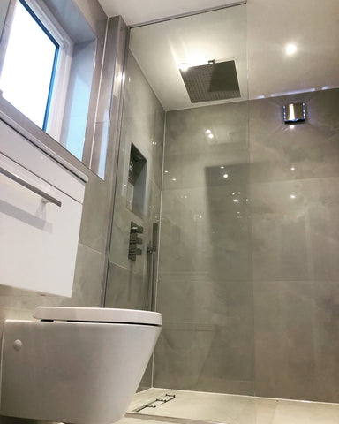 Full height shower glass screen in 10mm glass with Chrome U Channel