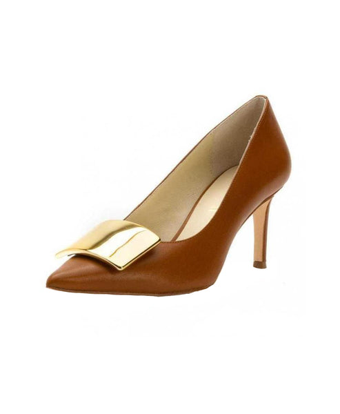 Leather Pump w/ Gold Plate