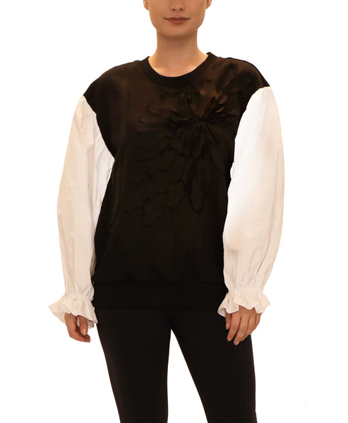 Top w/ Puff Sleeve & Flower Detail