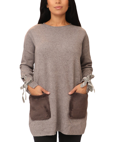 Sweater w/ Faux Fur Pockets - Fox's