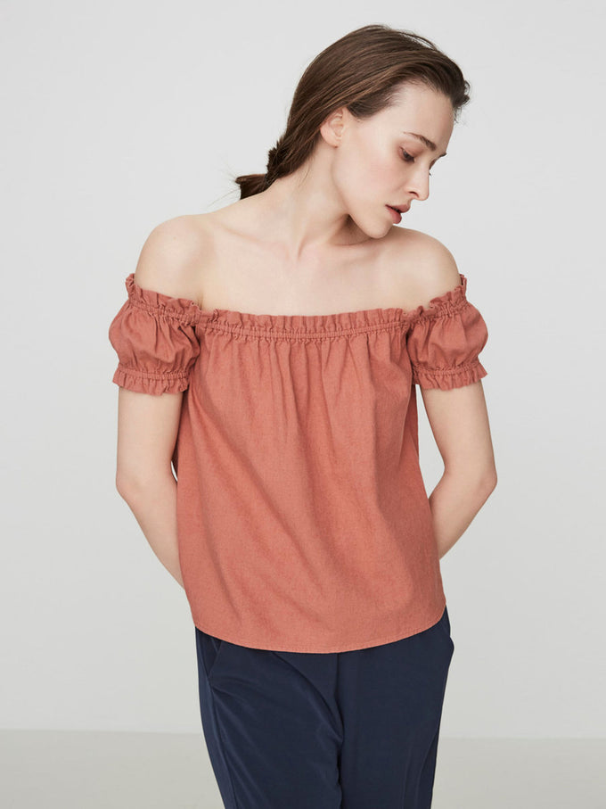 LINEN-BLEND OFF-THE-SHOULDER BLOUSE CEDAR WOOD