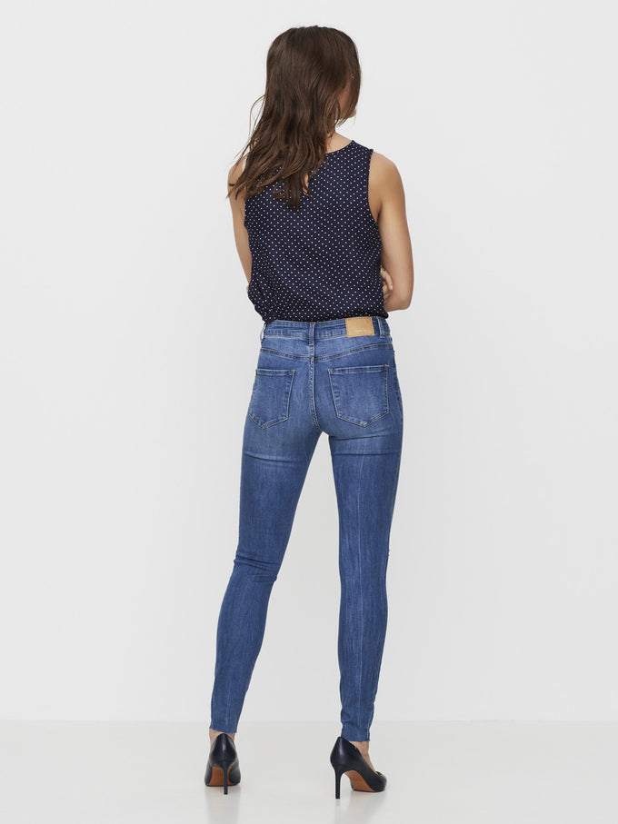 JEANS À LA CHEVILLE VMSEVEN SLIM KNEE CUT BLEU DENIM MOYEN