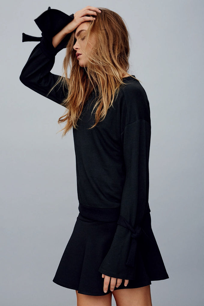 KNOTTED BELL SLEEVE SWEATSHIRT BLACK