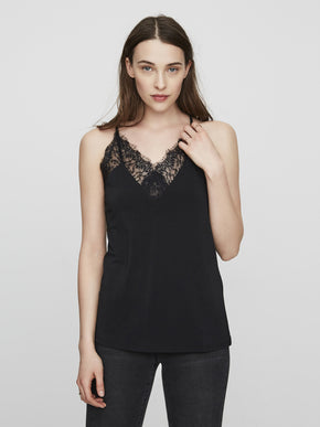 CAMI WITH LACE DETAILS