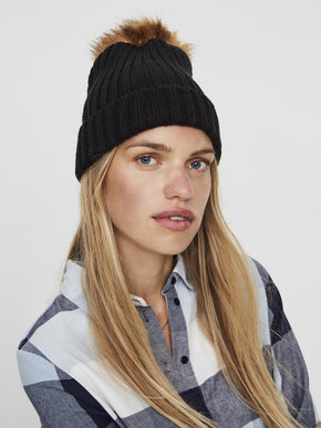 BEANIE WITH FAUX FUR