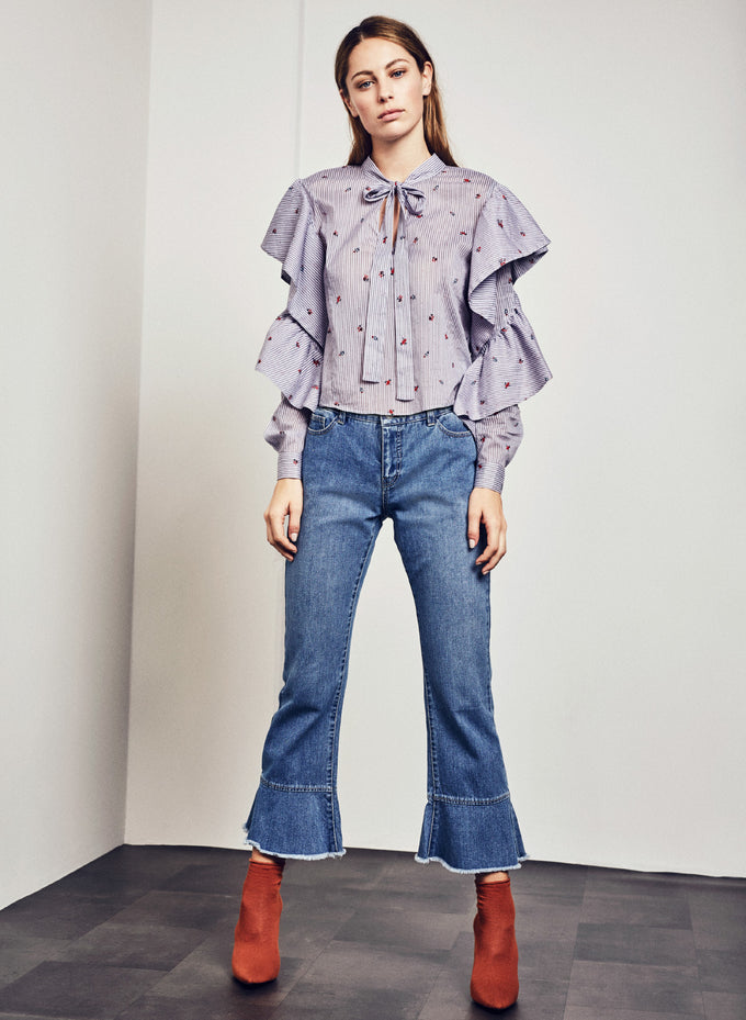 EMBROIDERED RUFFLE BLOUSE ASPHALT