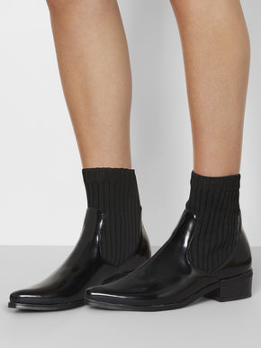 ANKLE BOOTS WITH ELASTIC DETAILS