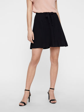 BLACK FLUID SKIRT