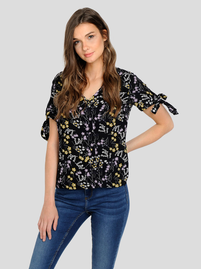 FINAL SALE – FLORAL BLOUSE WITH TIE DETAILS BLACK