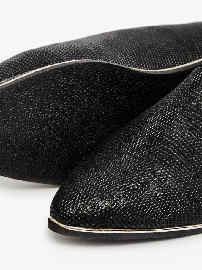 TEXTURED LOAFERS BLACK