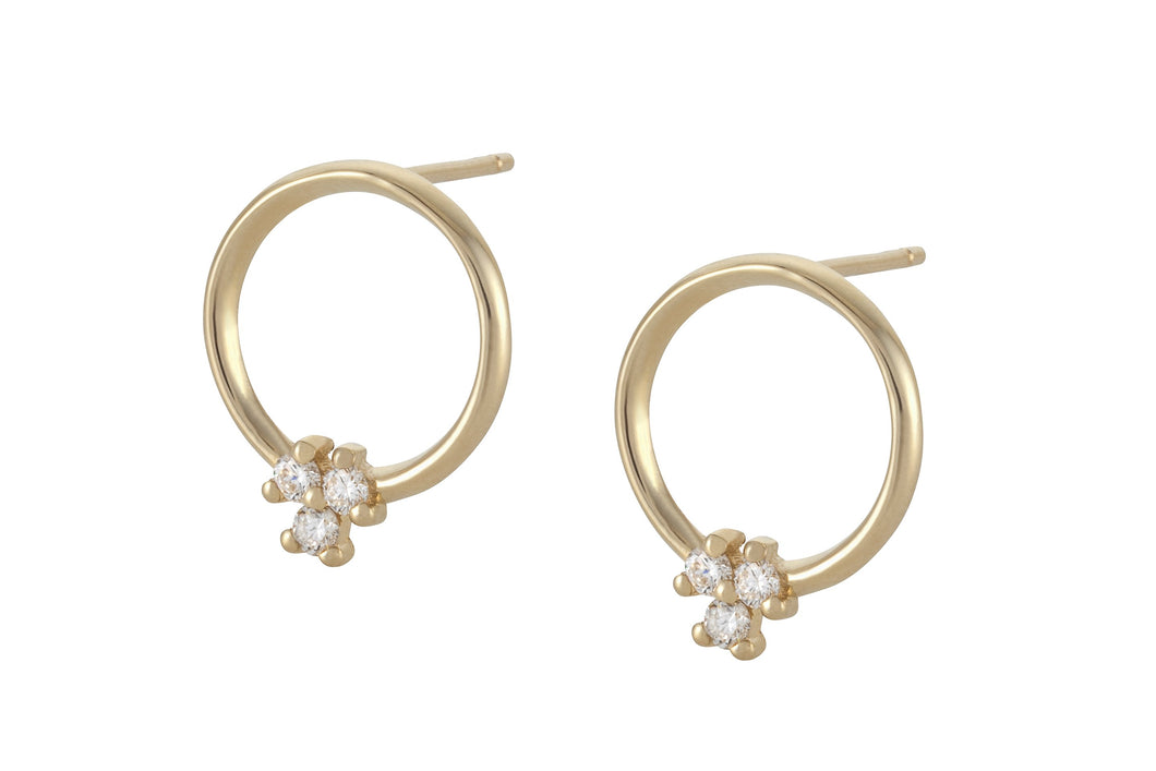 Circle of white diamonds Earring - Solid Gold