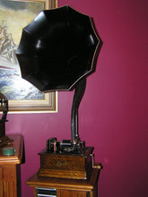 Edison Standard model D, 2/4 minute cylinder phonograph 1908 SOLD