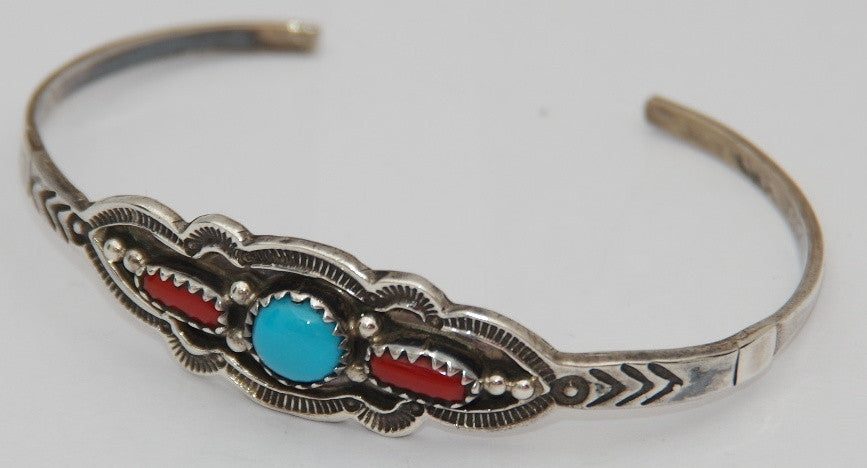 American Indian Jewellery, Ladies Bracelet, Navajo 925 sterling silver.