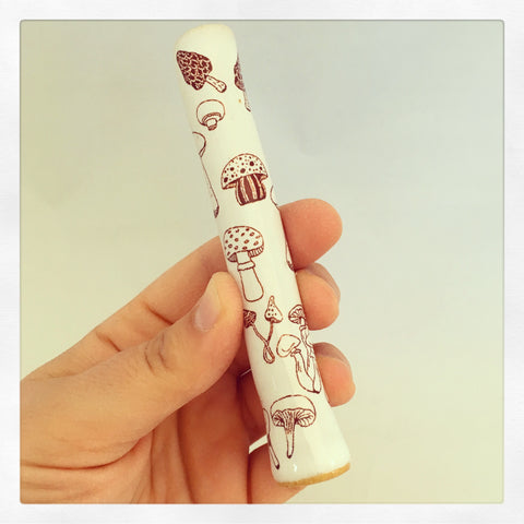 Happy Mushrooms Chillum