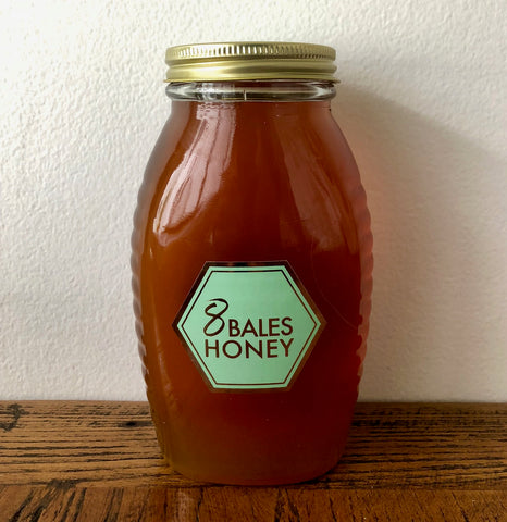 860 gram jar of 8 Bales Honey