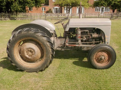 Servicing & repair of Ferguson tractors
