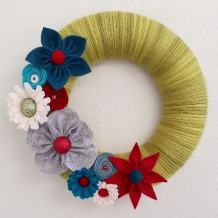 Felt Christmas Wreaths - 1/12 or 14/12