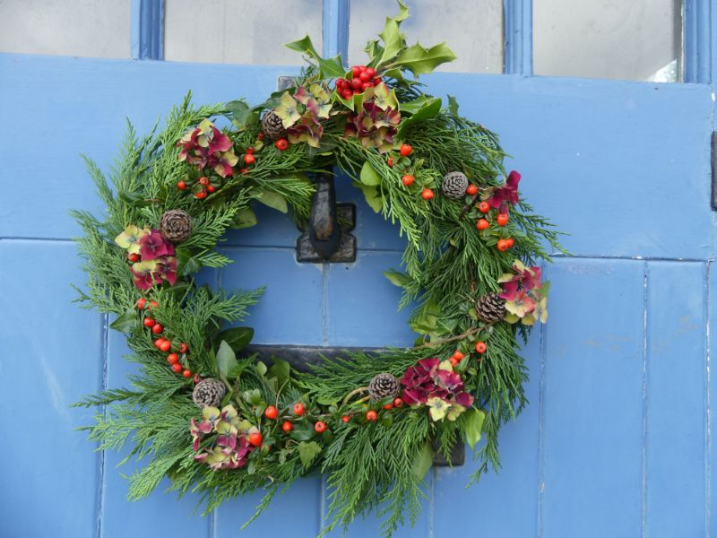 Natural Christmas Wreaths - 12/12