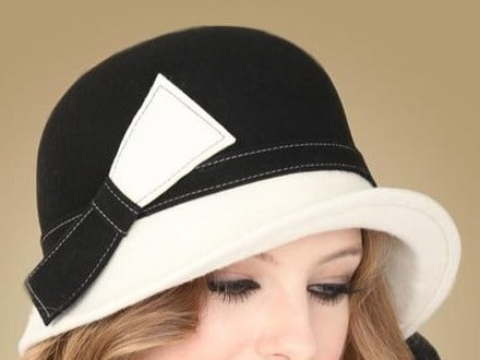 60s Black and White Graphic Mod Hat - Ma Penderie Vintage
