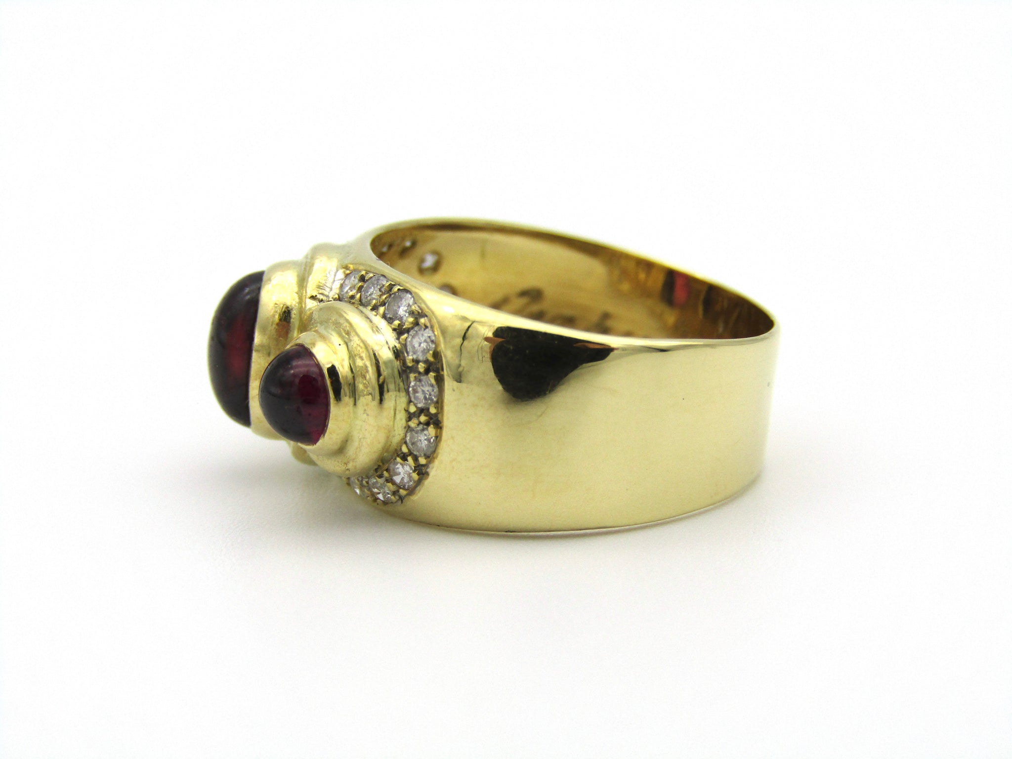 18kt yellow gold Rhodolite garnet and diamond ring by Orpheo.