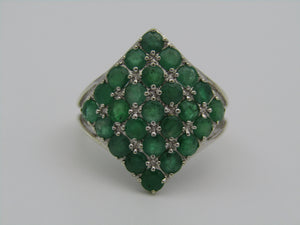 9kt gold emerald ring.