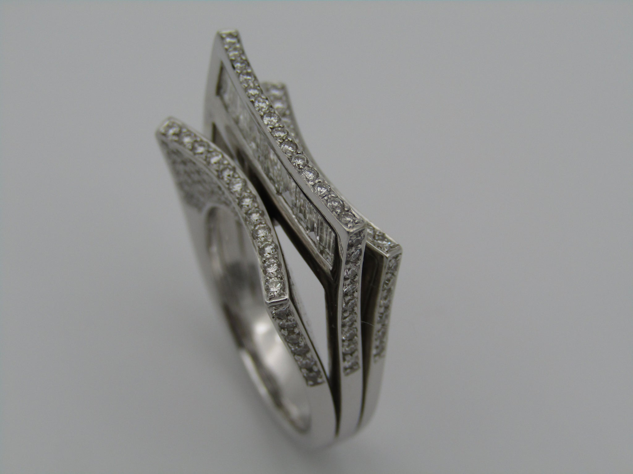 18kt white gold diamond ring featuring exquisite design and craftsmanship!