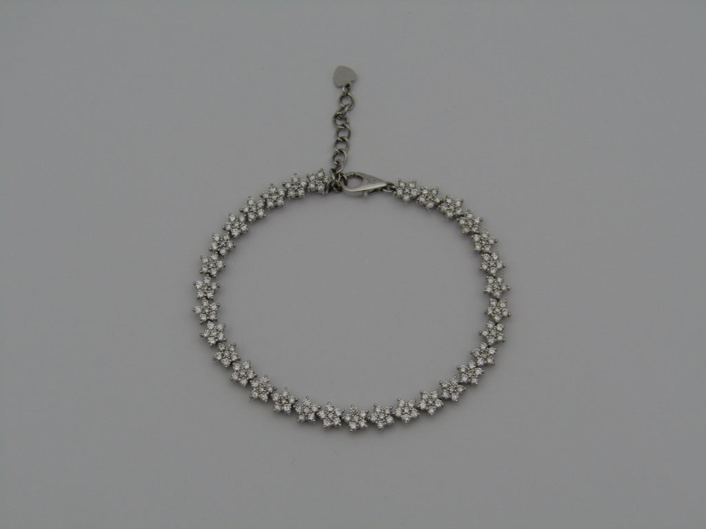 18kt white gold diamond bracelet.