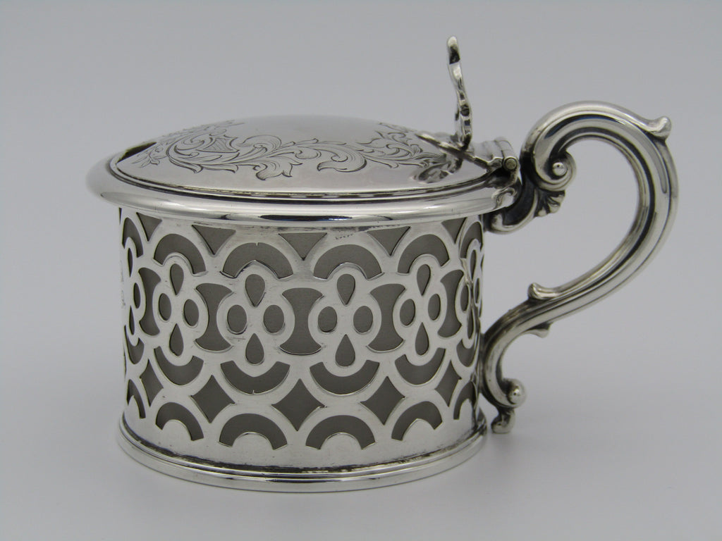 A Victorian silver mustard pot by Henry Wilkinson & Co., Sheffield 1848.