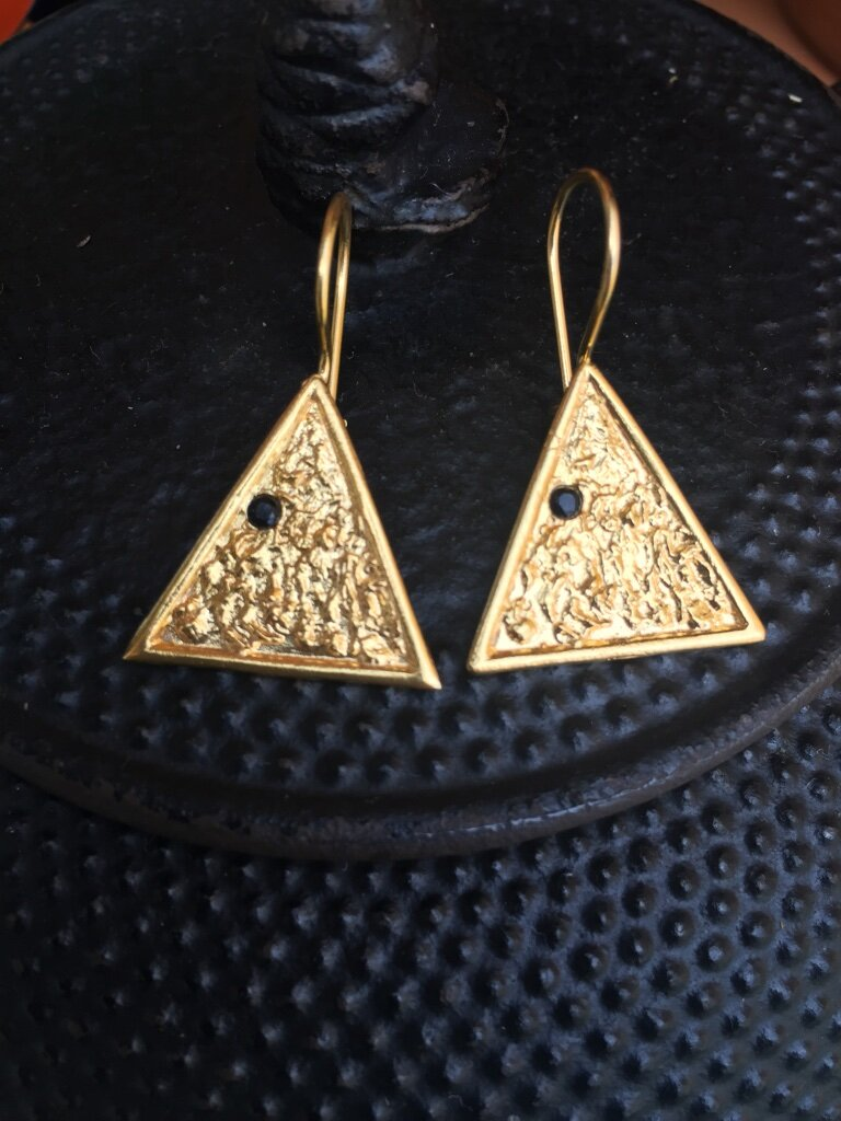 Triangle onyx Earrings