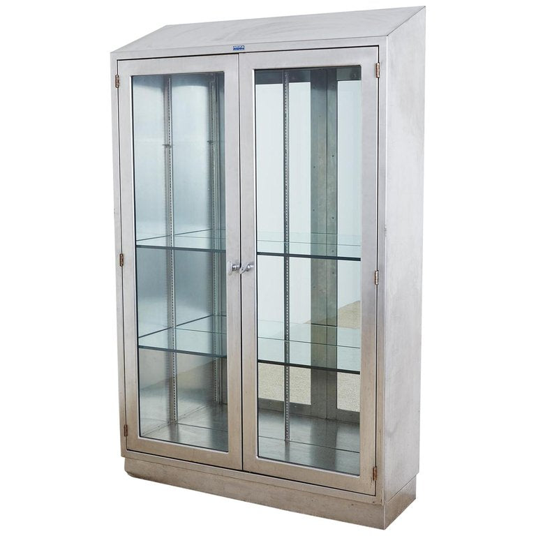 Incroyable Industrial Steel Glass Door Apothecary Display Cabinet
