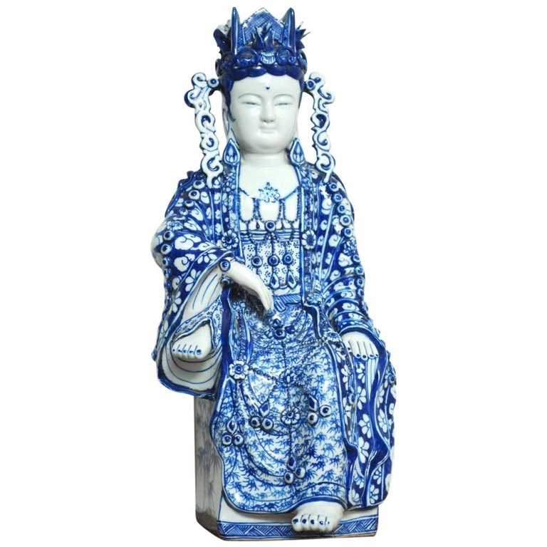 Chinese Blue and White Porcelain GuanYin from Fujian Provence