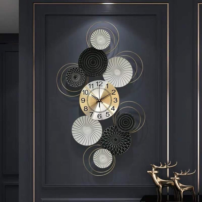Black & White Swirls Wall Clock & Decor