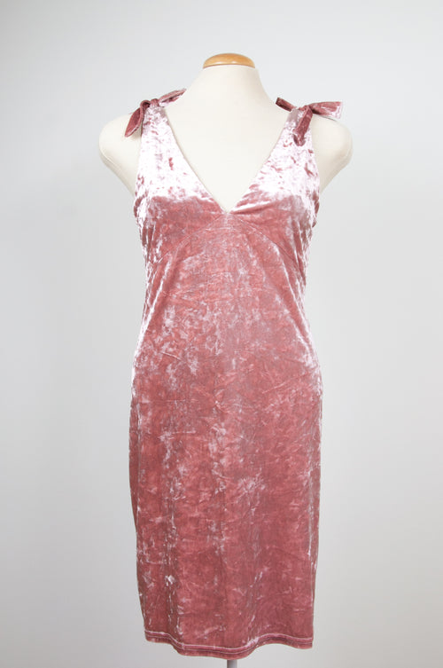 Old rose pink velvet dress by Divided by H&M at Caravan clothes