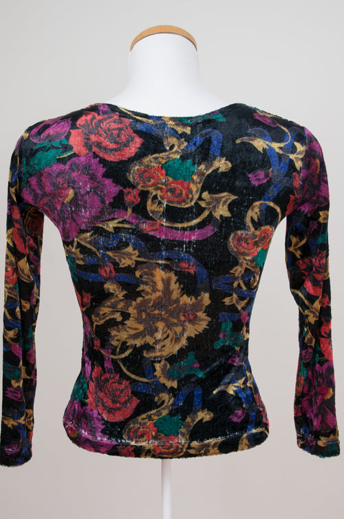 Long sleeve velvet top with flowers by Caravan clothes at Caravan clothes