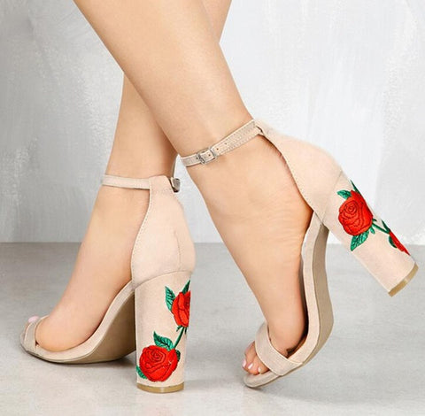 Special Stitched Rose Embroidered Pumps