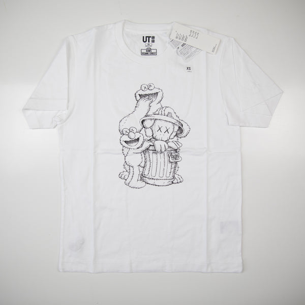 Kaws x Sesame Street Uniqlo Elmo, Cookie Monster & Companion Tee White (Multiple Sizes / NEW)