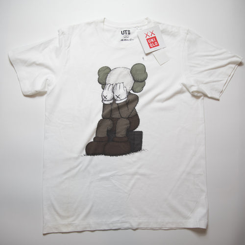 Kaws x Uniqlo Passing Through Companion Tee (Large / MINT)
