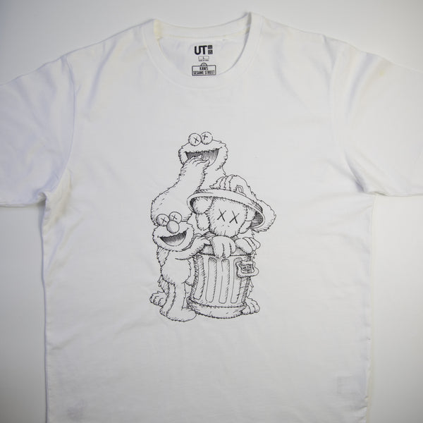 Kaws x Sesame Street Uniqlo Elmo, Cookie Monster & Companion Tee White (Large/ USED)