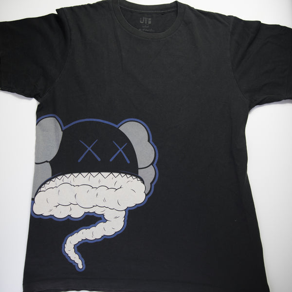 Kaws x Uniqlo Storm Tee Black (Large / USED)