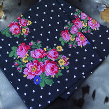 BLACK PIRUQHIAT SCARF