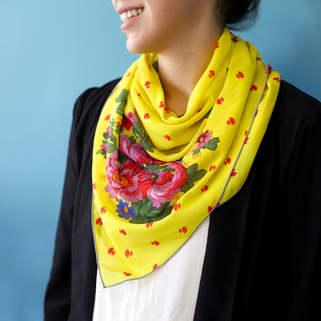 YELLOW PIRUQHIAT SCARF