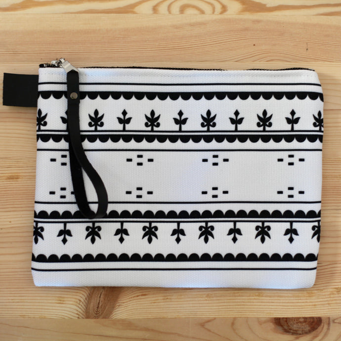 KAMIK PATTERN CLUTCH (WHITE)