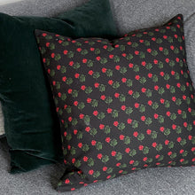 REVERSIBLE AQPIIT CUSHION COVER